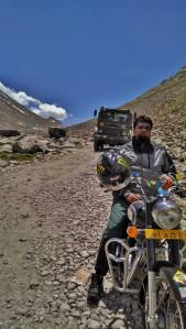 bike ride from leh to pangong lake